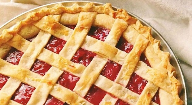 999907-Best-Cherry-Pie-Photo-by-LA-e1443120989238